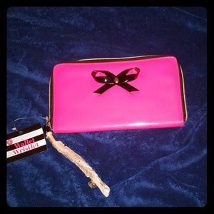 Wristlet wallet *free w/ $40 purchase, or alone $6